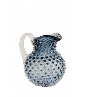 Petite carafe bleue en verre orné