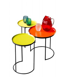 Tables 3 coloured nesting tables